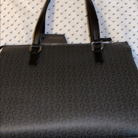 Purses guess Tommy make up cases for airports and